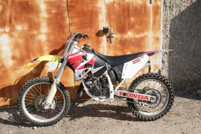 продам кроссовый мотоцикл HONDA CR125