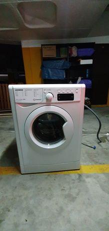 Máquina lavar roupa INDESIT