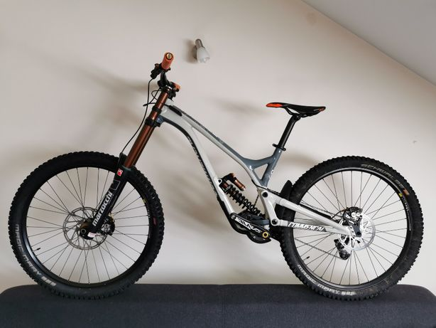 Rower zjazdowy Commencal Supreme DH