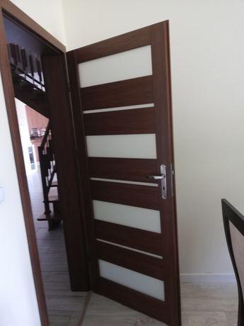 Drzwi wewnętrzne z ościeżnicami 2 sztuki