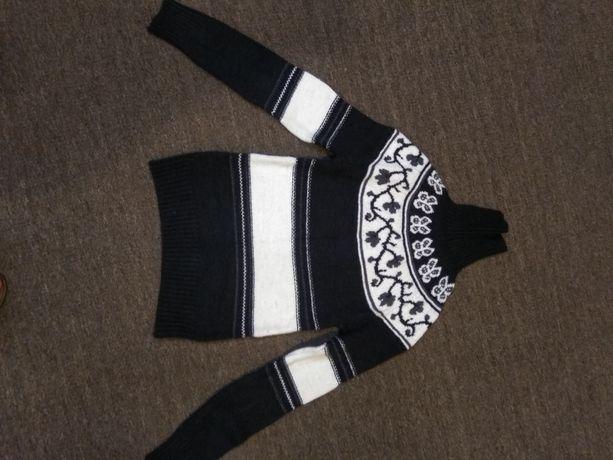 Свитер. Два теплых свитера