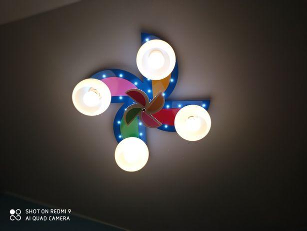 Żyrandol kolorowy z wiatrakiem dla dzieci