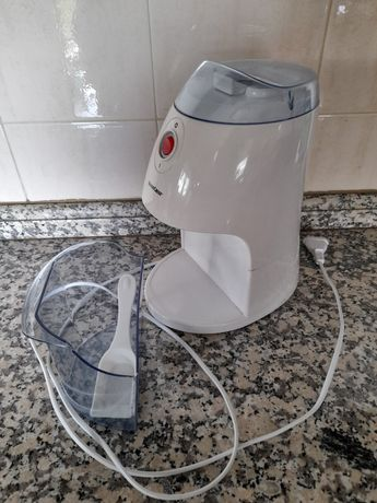 Maquina de picar gelo