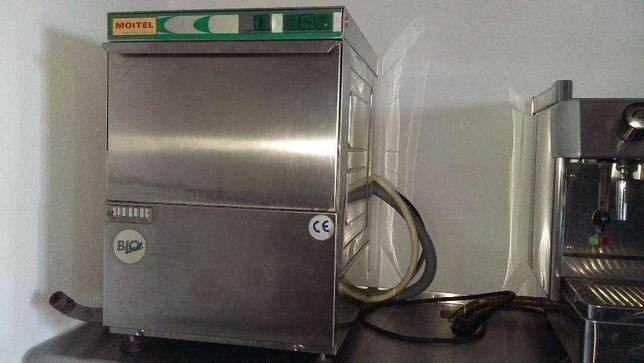 Máquina de loiça de chávenas