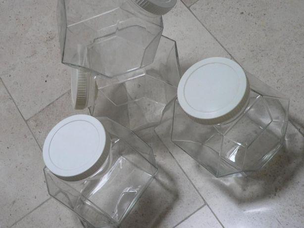 Frascos em vidro e tampa plastica