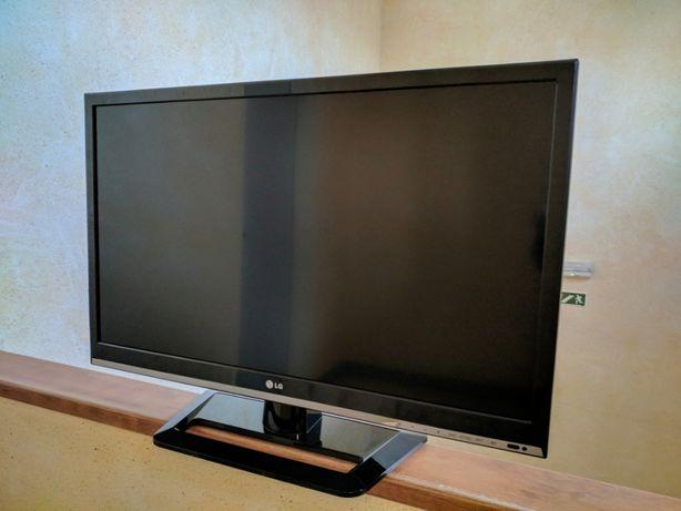 "Televisor LG 32"" FullHD LED"