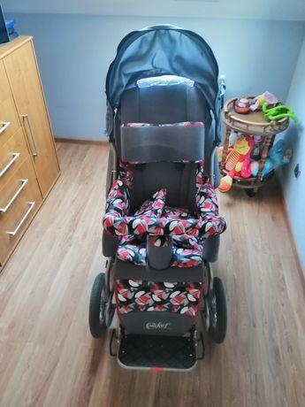 Wózek inwalidzki specjalny dziecięcy stabilizujący plecy i głowę
