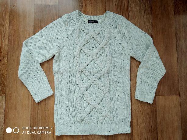 Очень красивый свитер р.М