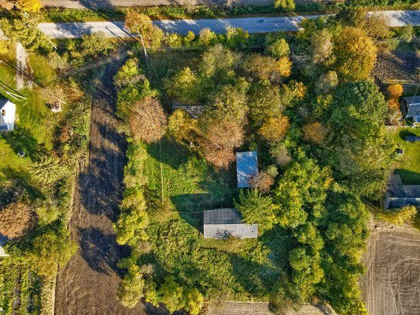 Siedlisko + budynki  0.48 ha woj lubelskie  przy drodze asfaltowej