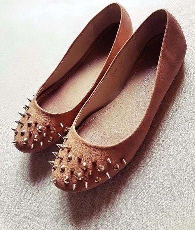 Baletki buty beżowe ćwieki