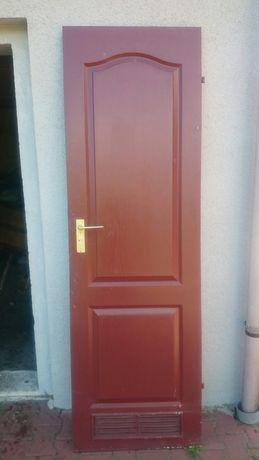 Drzwi wewnętrzne pilne.szt 3.