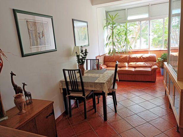Apartamento T3 Renovado Damaia Cima