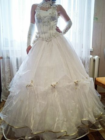 Свадебное платье 9 500 руб.