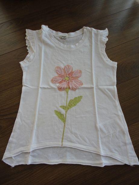 TAM.7A(122cm) - MAYORAL Blusa cava com flor e brilhantes