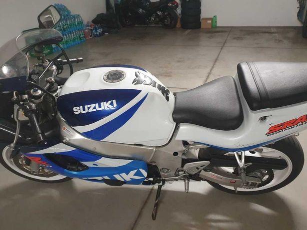 Motor Suzuki gsx srad