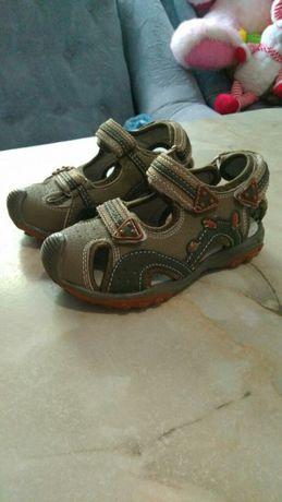 Новые сандали р.25