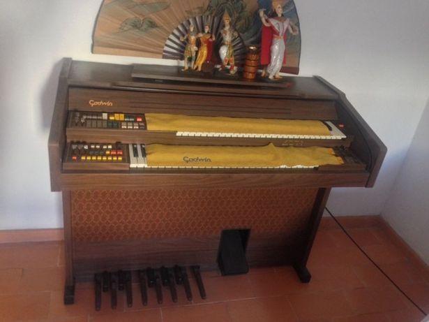 Órgão Antigo Godwin