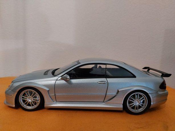 Miniatura 1:18 Mercedes CLK DTM coupé Kyosho