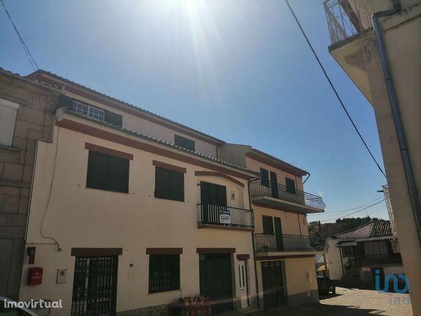 Moradia - 172 m² - T2