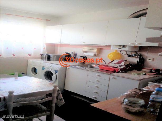 Apartamento T3 Duplex para venda em Olhão