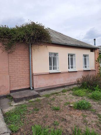 Продам часть дома ул. Комарова./запорожская. все уд. отдельный двор.