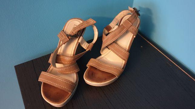 LASOCKI sandały 39 koturna