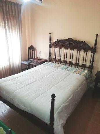 Conjunto completo de móveis de quarto