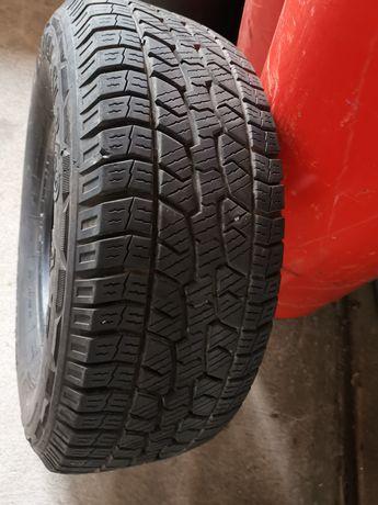 Vendo 4 pneus 265x70xr15 em bom estado