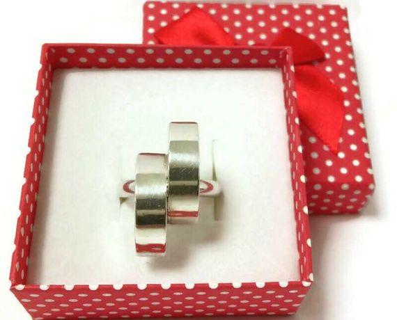 Wyrób jubilerski używany - srebrny pierścionek 925/r.20