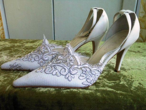 Туфли/босоножки свадебные р.40