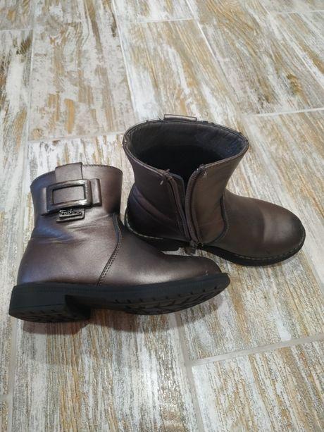 Детские весенние ботиночки