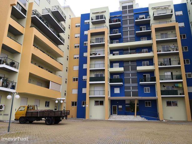 Apartamento com 3 Quartos c/garagem box em Portimão