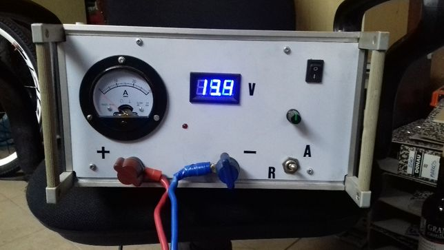 Prostownik automatyczny 18A do ładowania akumulatorów