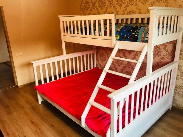 Детская двухъярусная кровать Жасмин трехспальная трехместная дерево