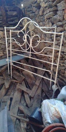 Vendo cama em ferro fabrico artesanal