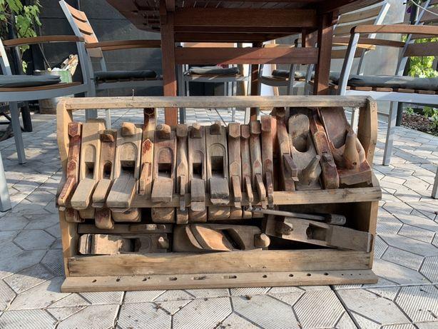 Старые деревянные инструменты (ручная работа)