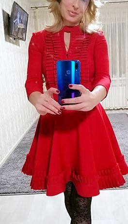 Шикарное коктельное платье