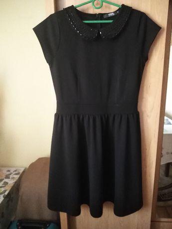 Piękna elegancka czarna sukienka z kołnierzykiem rozmiar L