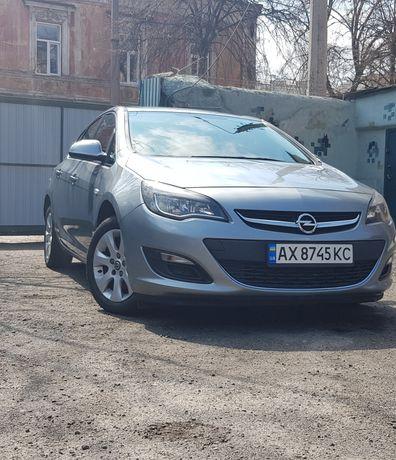 Продам Opel Astra J, 2014 год