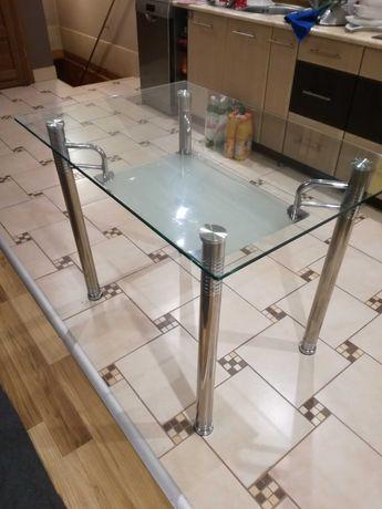 Szklany stół, 4 krzesła - stan: dobry.