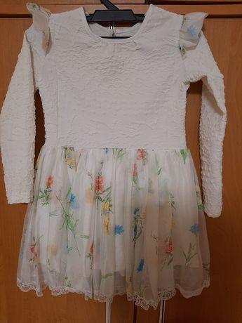 Платье б/у на 4-5 років на худеньку дівчинку