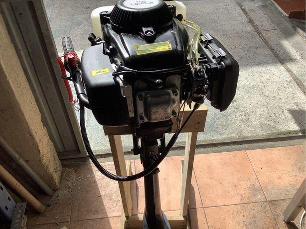 Motor  de bote a 4 tempos de 2,5 cv