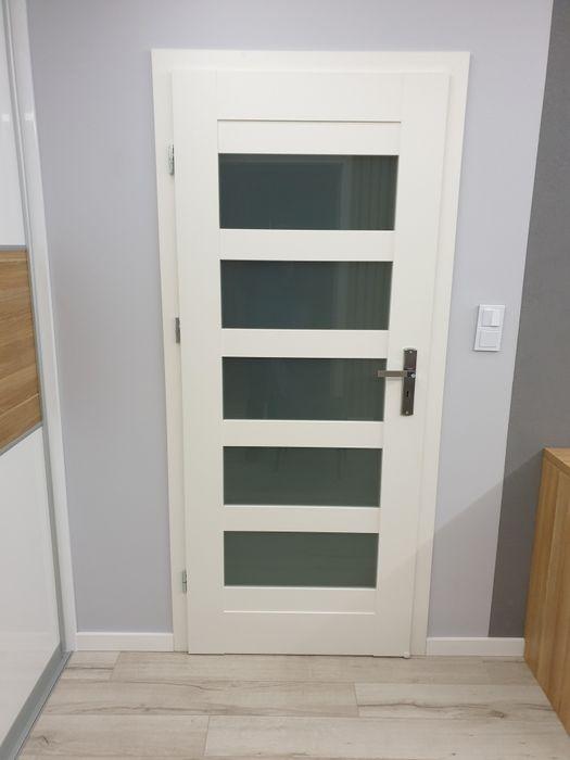 Montaż paneli, montaż drzwi, dopasowanie drzwi na stare ościeżnice Jelenia Góra - image 1