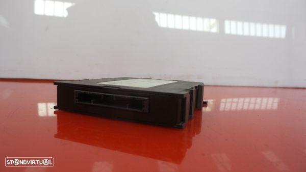 Modulo Dos Sensores De Parque Toyota Auris (_E18_)