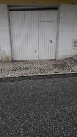 Garagem 2 carros com WC