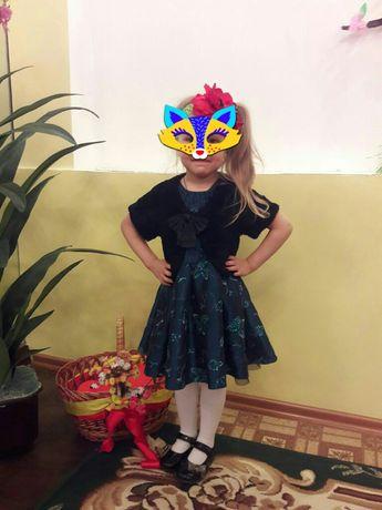 Нарядное платье на девочку от 1,5 года