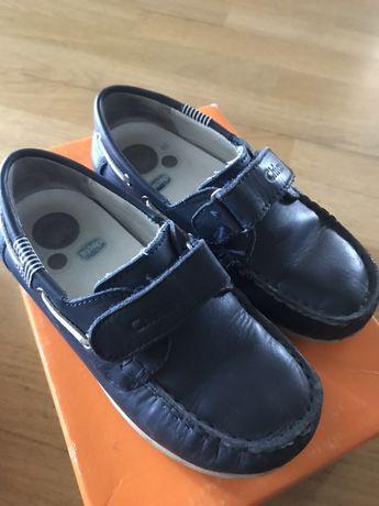 Продаю туфли(макасины) Chicco, размер 30