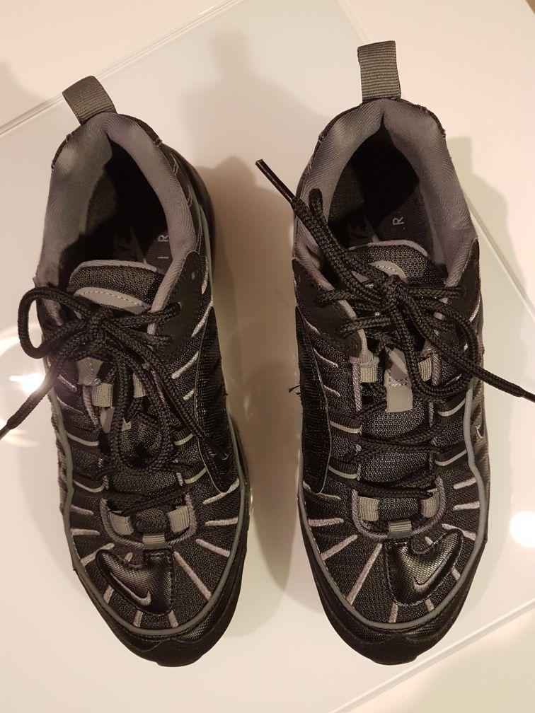 Sapatilhas Nike pretas