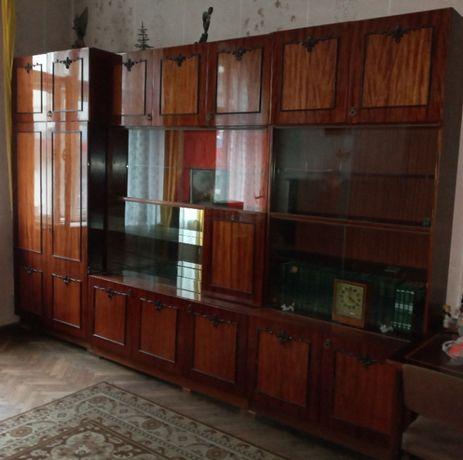 Продам меблі радянського виробництва.