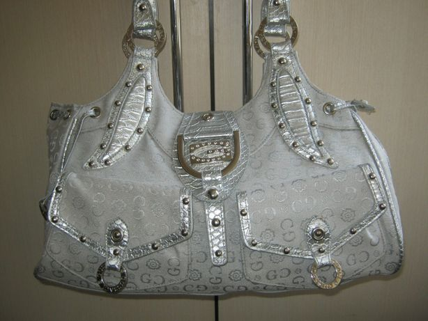 Gussaci сумка кожаная в серебристом цвете текстиль и кожа